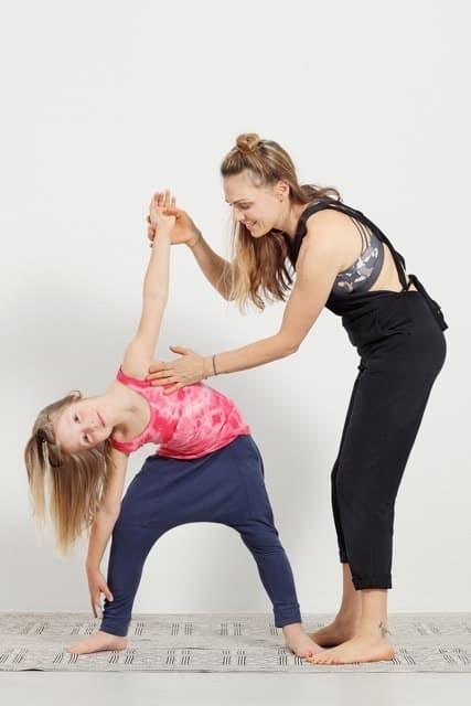MEMBER SPOTLIGHT: Liliane Meier erklärt uns, wieso Yoga für klein und gross so wichtig ist