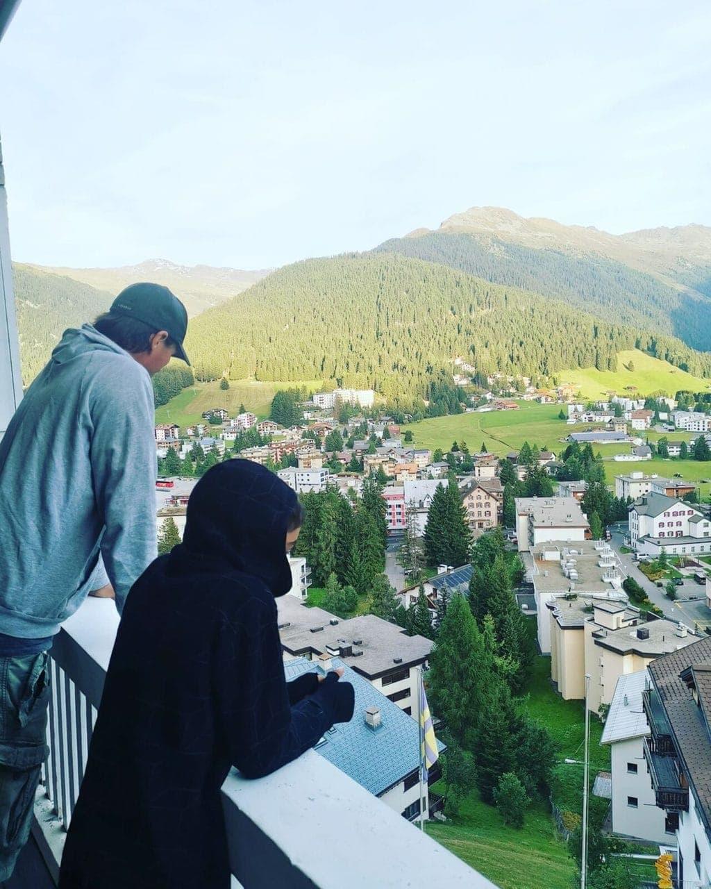 ERLEBNISBERICHT: MIT DEN WOLKEN AUF AUGENHÖHE – EIN WEEKEND IN DAVOS MIT DEN SCHWEIZER JUGENDHERBERGEN