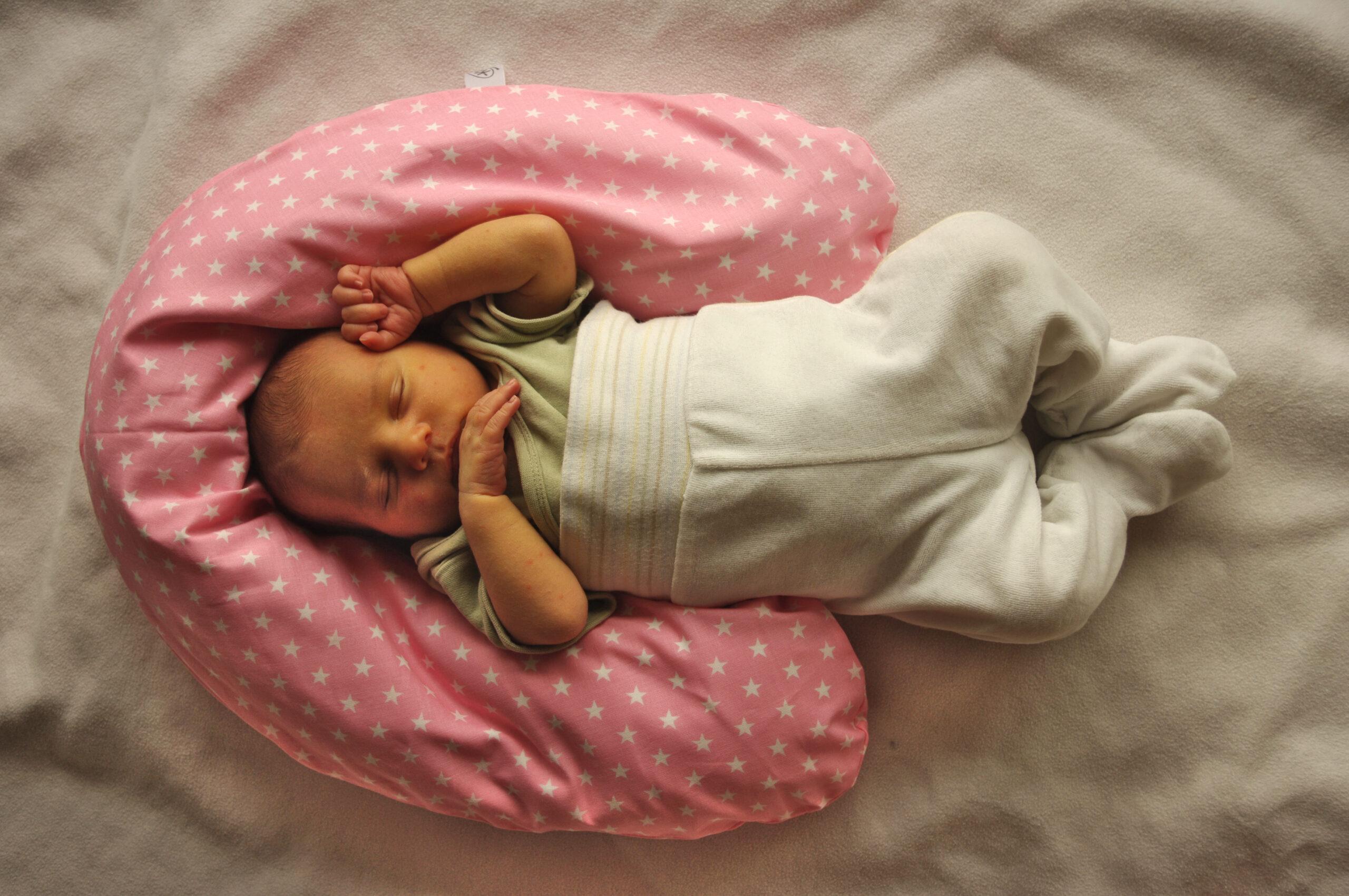 Babykissen rosa Sterne_bearbeitet